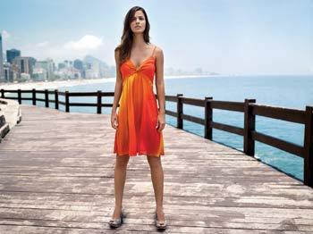 яркое платье фото