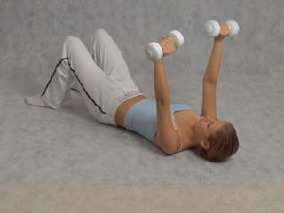 гантели упражнения грудь
