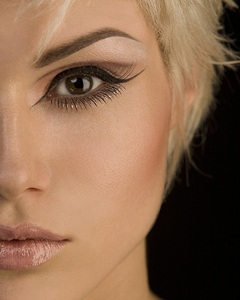 коричневый цвет макияжа