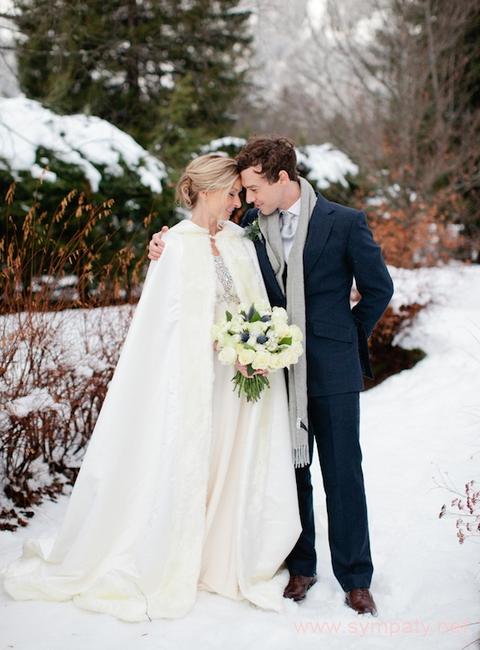 Для зимней свадьбы можно придумать массу идей для оформления