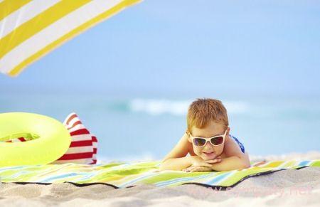 отдохнуть на море с маленьким ребенком