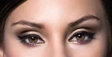 Праздничный макияж глаз стрелки