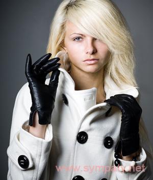 черные перчатки можно выбрать ко всему