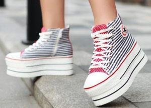 обувь на ровной платформе