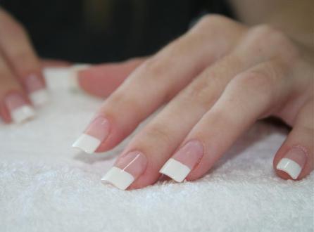 наращивание ногтей шёлком