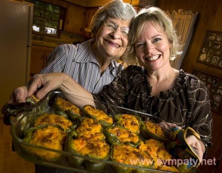 как ужиться на одной кухне двум хозяйкам