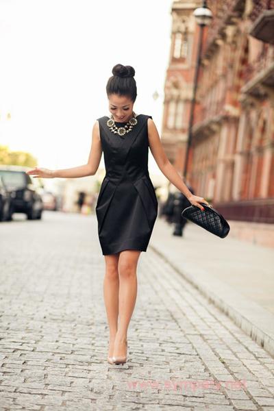 классика черное платье носить