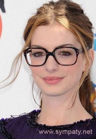 Как выбрать имиджевые очки  внимание на форму лица и стиль b75237cf15d