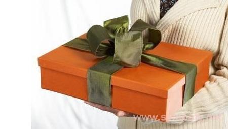 как выбрать подарок для начальника