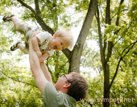 ребенок больше любит папу
