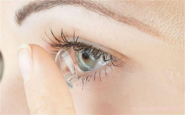 Линзы из современных материалов - хорошая альтернатива очкам
