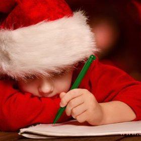 Если ребенок уже догадался, что Деда Мороза не существует, можно познакомить его с народными легендами о новогодних волшебниках