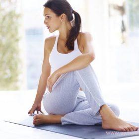Бодифлекс совмещает глубокое дыхание и несложные упражнения