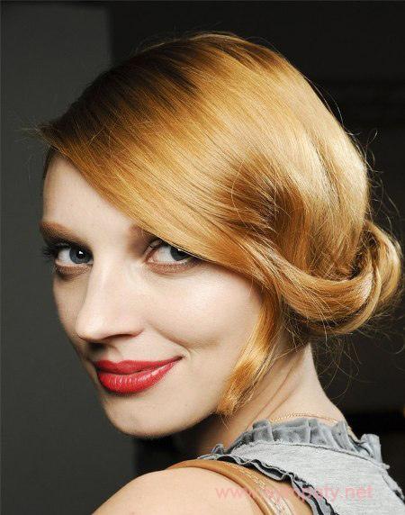 красивый макияж для цветотипа весна  красные губы