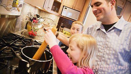распределить обязанности в семье