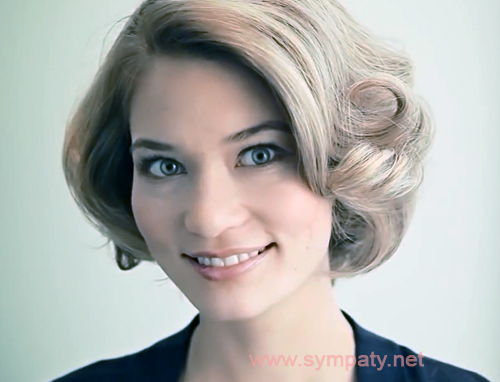 На фото: как сделать голливудские локоны на короткие волосы