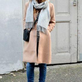 Какой шарф подойдет к бежевому пальто