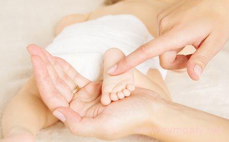 ухаживать за кожей новорожденного