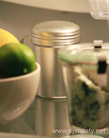 убрать тухлый запах из холодильника