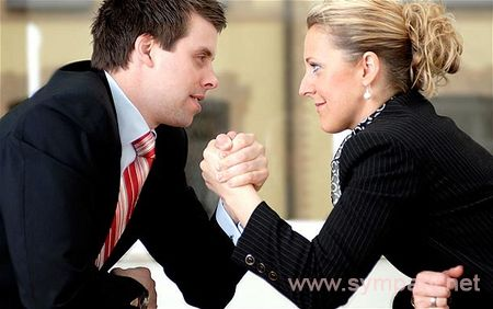 как оставаться женственной в мужском деле