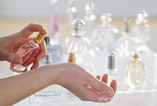 выбрать из группы ароматов