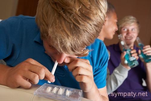 как узнать употребляет ребенок наркотики
