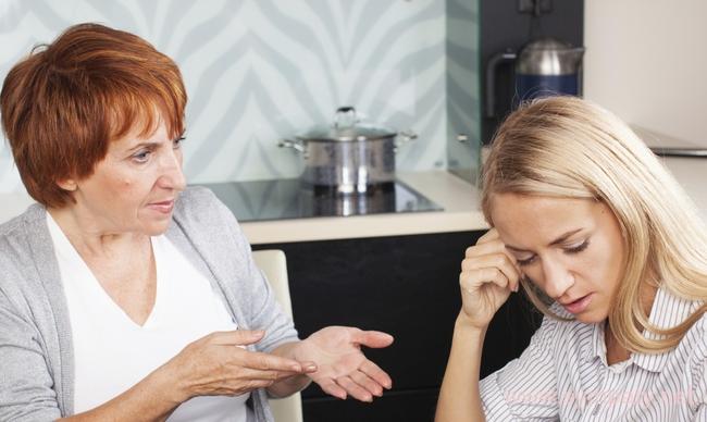 Что делать если муж не дает денег жене - 1