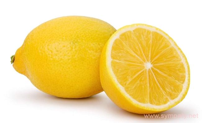 очистить микроволновку с помощью лимона