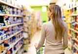 Супермаркеты используют массу уловок, заставляя нас покупать больше