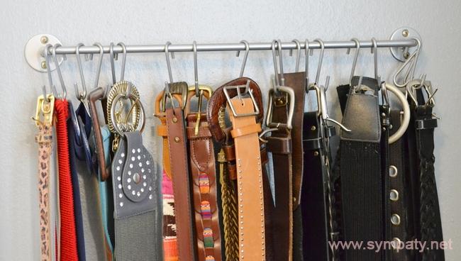 Хранить ремни можно также на полках шкафа и в выдвижных ящиках