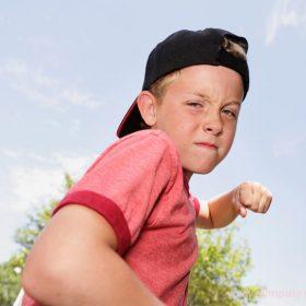 Среди частых причин агрессивности детей - наследственность и окружающая среда