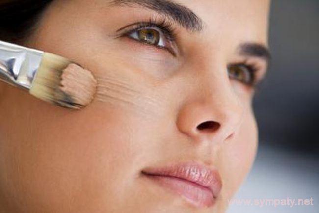 Праймер помогает скрыть многие проблемы с кожей и сохранить безупречный макияж