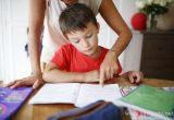 Нельзя просто отмахнуться от ребенка, если он обращается за помощью в выполнении домашнего задания