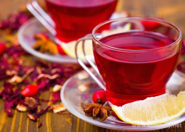 В состав чая каркаде входит 13 различных органических кислот, пектины, антоцианы и микроэлементы