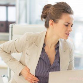 Раздраженный желудок проявляет себя болями, изжогой, тяжестью