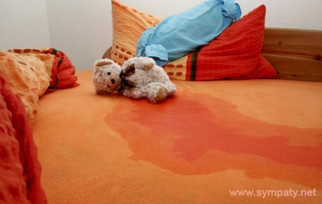 Об энурезе говорят, если ребенок не может контролировать дневное или ночное мочеиспускание