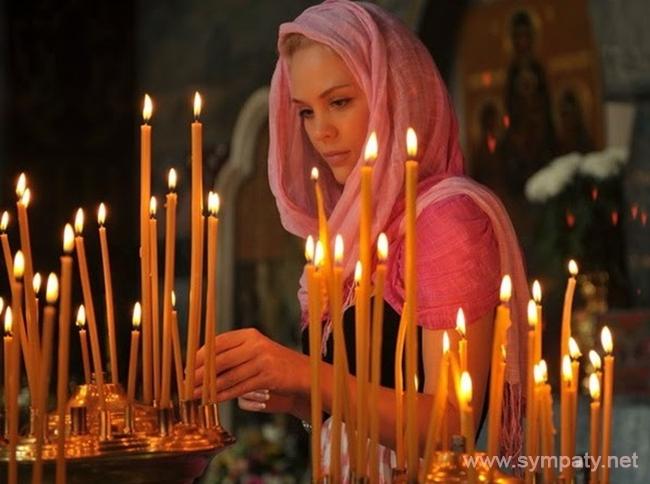 Как правильно ставить свечи в церкви. Куда ставят свечи в церкви, за здравие, за упокой. Как ставить свечки в церкви за здравие, за упокой. Какой иконе свеча за здравие, за упокой
