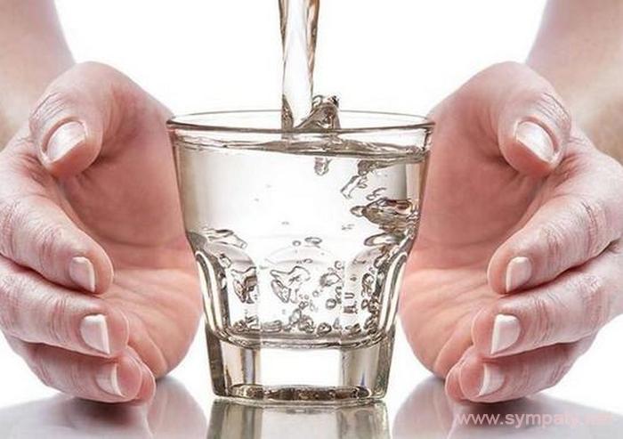 Техника стакана воды для исполнения желаний: способы Зеланда и Сильвы