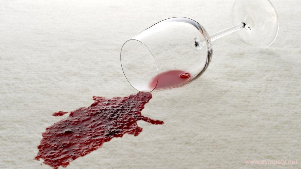 Как оттереть красное вино с дивана — советы от Химчистка22