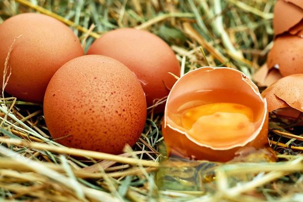 А вы моете яйца перед хранением и готовкой?